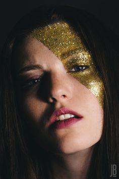 0d39533c89cb 22 meilleures images du tableau Gold Digger   Maquillage Artistique ...