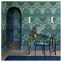 This bold & beautiful Bluebell Wallpaper by Cole and Son forms part of the new Botanical Botanica Collection and features a fretwork of wild field flowers in a sophisticated Art Nouveau style. Chinoiserie Wallpaper, Wallpaper Art Deco, Bold Wallpaper, Botanical Wallpaper, Wallpaper Direct, Designer Wallpaper, Wallpaper For Walls, Interior Wallpaper, Bold Living Room Wallpaper
