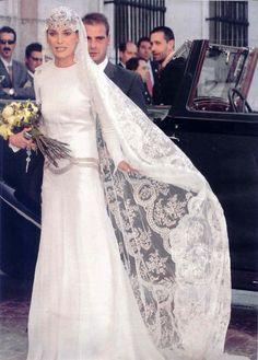 Wedding Dress - Laura Ponte y Martinez _ Gomez-Acebo y de Borbon