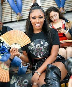 Megan Thee Stallion is Putting an End to Female Rapper Feuds Black Girl Magic, Black Girls, Hot Girls, Beautiful Black Women, Beautiful People, Doja Cat, Black Girl Aesthetic, Grunge Hair, Woman Crush