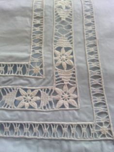 Maria Cristina Bulgarelli's media content and analytics Floral Embroidery, Hand Embroidery, Embroidery Designs, Crochet Doilies, Crochet Stitches, Sewing Pants, Drawn Thread, Square Patterns, Sewing Studio