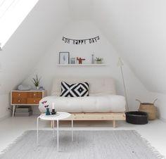Die 31 besten Bilder auf Sofas für kleine Räume in 2019 | Kleines ...