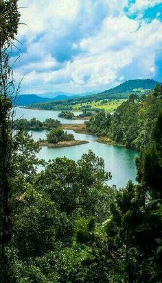 Lago de Zirahuen, Michoacán, México.