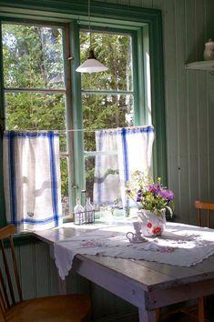 Shabby Chic Bohemian Interiors - Sweet Home And Garden Cottage Shabby Chic, Shabby Chic Kitchen, Cozy Cottage, Shabby Chic Homes, Shabby Chic Decor, Cottage Style, Country Kitchen, Vintage Kitchen, Rustic Decor