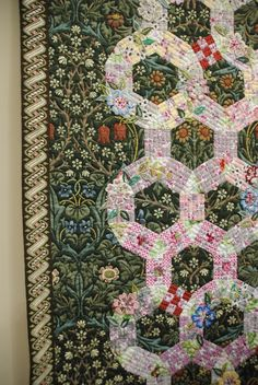 William Morris in Quilting: Tokyo Quilt Festival Part 1.  Jack's Chain.  Very subtle nine-patches.  Lots of embroidery.