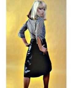 Debbie Harry by Trix Rosen 1977 Blondie Blondie Debbie Harry, 70s Fashion, Fashion Outfits, Rock Fashion, Fashion Brands, Atomic Blonde, Estilo Rock, Famous Women, Famous People