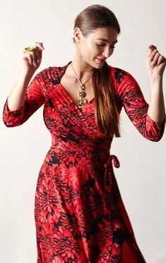 dresses gallery women in Busty