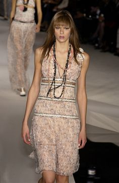 Chanel Spring 2003 Runway Pictures - Livingly