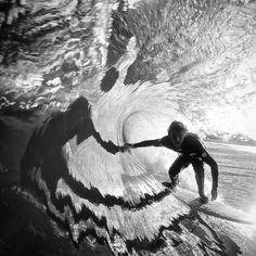 #Repost @jesselittlephoto (@get_repost) ・・・ Shadow surfer @bailslodge #stabfullframe #canon #tuberiding #tuberide #tube #tuberider #surfphotography #surfingphotography #surfphoto #surfing #wavephotography #wavephoto #surfinglife #surflife...