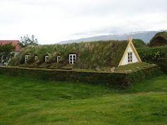 Casas de grama e pedra - Overgrown - Islândia | Você realmente sabia?