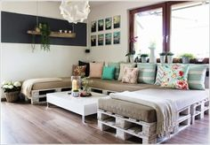 Build a Large Sectional Sofa With Recycled Pallet Wood