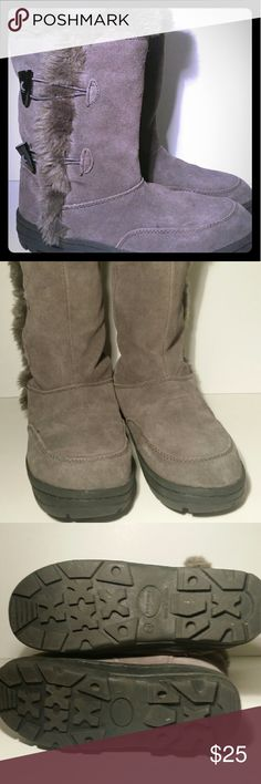 Sonoma boots gray yeti mukluk style SONOMA BRAND -- CHARCOAL GRAY LEATHER SUEDE BOOTS Slip on FUZZY FAUX FUR LINED.. SUPER SOFT WOMEN'S SIZE 6.5 Sonoma Shoes Ankle Boots & Booties