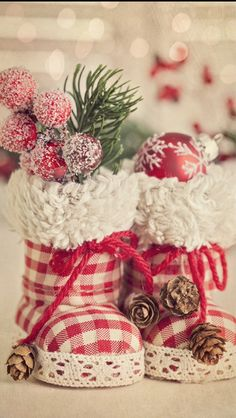 15 Christmas Stockings Decorating Ideas that will inspire you.
