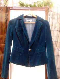 Americana Blue Velvet (terciopelo azul). http://sondemar.tictail.com/products/second-handsegunda-mano