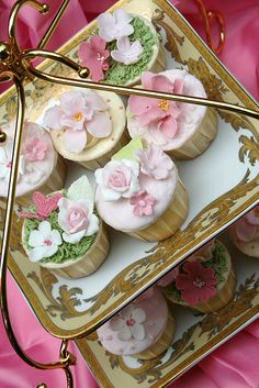 Pretty cupcakes for a garden party.