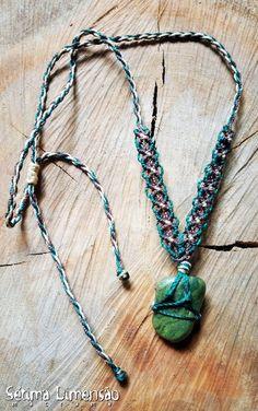 Colar Pedra Verde Macramê