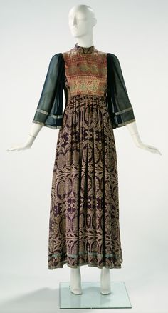 Dress, Thea Porter, 1970 / Blue machine-stitched chiffon with gold and silver thread with a velvet braid Museum no. T.900-2000 © Victoria & Albert Museum, London