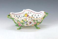 porcelain basket : Lot 5118