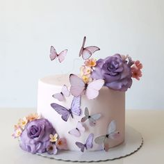 Looking for ways to decorate your party and save money doing so? Take a look at these inexpensive Quinceanera themes to fall in love with. Butterfly Birthday Cakes, Birthday Cake With Flowers, Baby Birthday Cakes, Butterfly Cakes, Card Birthday, Birthday Greetings, Birthday Ideas, Happy Birthday, Cakes With Butterflies