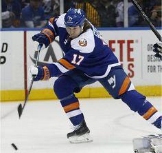 #17 Martin, Matt - New York Islanders 2015-01-27