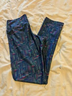 192870e45f41 Awesome leggings medium size with wide waist band for comfort and very cool  print!