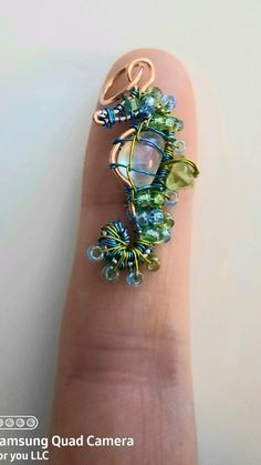 Wire Jewelry Designs, Handmade Wire Jewelry, Wire Wrapped Jewelry, Metal Jewelry, Beaded Jewelry, Wire Crafts, Jewelry Crafts, Jewelry Art, Bottle Jewelry