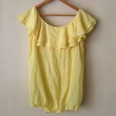 🆕 Off the shoulder Silk Yellow Blouse Super soft 100% silk top by Blaque Label (indie fashion house) with adorable ruffle. Medium but could also fit a small. Dress down with dark denim. Never worn. NWOT. Indie Brand sold at Revolve. Blaque Label Tops Blouses
