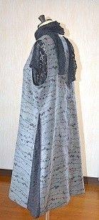 紗の着物とレース生地を合わせたAラインのロング丈のベストです。素材 シルク100%(水通し済)紗の着物   レース部分 ポりエステル100%サイズ M~L  ...|ハンドメイド、手作り、手仕事品の通販・販売・購入ならCreema。