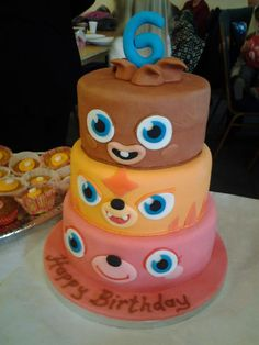 Moshi Monsters Cake by ~mike-a on deviantART Monster Birthday Cakes, Monster Party, Monster Cakes, Moshi Monsters, Vanilla Sponge, Cute Food, Sweet Bread, Party Cakes