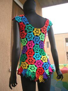 Rainbow Flowers Crochet Vest With Sequins  vestido de ganchillo motivos florales