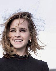 """7,419 Me gusta, 29 comentarios - Emma Watson (@queenemwatson) en Instagram: """"How are you all? #emmawatson @emmawatson"""""""
