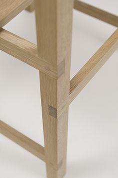 extrémités des pièces incrustées dans la pièce verticale porteuse. Bonne résistance