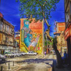 Istanbul, Kadikoy. Artist: Leo Lunatic