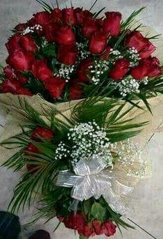 Love in a Basket Large Flower Arrangements, Funeral Flower Arrangements, Funeral Flowers, Beautiful Rose Flowers, Exotic Flowers, Colorful Flowers, Happy Birthday Rose, Birthday Roses, Blue Rose Tattoos