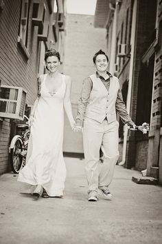 Lesbian Weddings. DARLING! love love love!