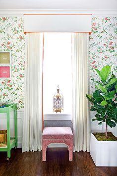 Feminine floral wallpaper and hues- follow us on www.birdaria.com like it love it share it click it pin it!!!!