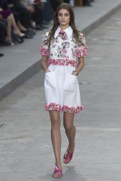 Chanel RTW Spring 2015 - Slideshow - Runway, Fashion Week, Fashion Shows, Reviews and Fashion Images - WWD.com