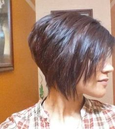 Inverted Bob Hairstyles for Fine Hair That Make You Look Younger Page 7 of 28 Inverted Bob Hairstyles, Bob Hairstyles For Fine Hair, Scene Hairstyles, Casual Hairstyles, Bob Haircuts For Women, Short Bob Haircuts, Layered Haircuts, Trendy Haircuts, Haircut Short