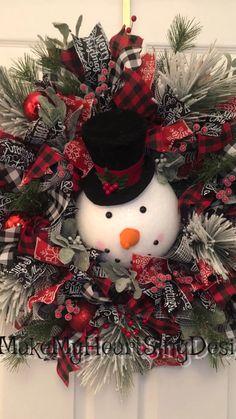snowman wreath balls spruce new year carrot hat coal - Trend Christmas Card 2020 Diy Christmas Tree Topper, Ribbon On Christmas Tree, Christmas Swags, Holiday Wreaths, Diy Wreath, Snowman Wreath, Diy Snowman, Santa Wreath, Candy Cane Wreath