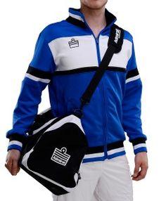 Sportsklær og treningsutstyr til kamp og trening. Handle kvalitet fotball og håndball klær hos Admiral nå! #sportsklær #treningsutstyr #nettbutikk #admiral #sportswear #trening #kamp #håndball #fotball #treningsutstyr