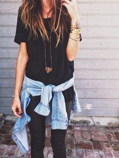 Black top & pants, denim jacket, gold bangles Instagram:GraterolKaren