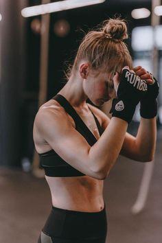 Fitness boxing sportswear sport body workout POSCHSTYLE Health n Fitnes Body Fitness, Musa Fitness, Sport Fitness, Health Fitness, Boxing Fitness, Physical Fitness, Cardio Boxing, Planet Fitness, Fitness Equipment