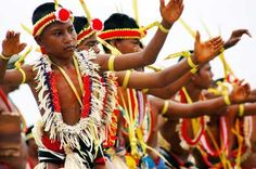 Dancers from the Federated States of Micronesia