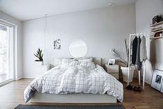 Casinha colorida: Decoração na moda: pendentes nos quartos