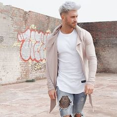 s fashion spring summer jeans dyed light colors wh Modern Hairstyles, Hairstyles Haircuts, Cool Hairstyles, Latest Hairstyles, Hair And Beard Styles, Hair Styles, Urban Fashion, Mens Fashion, Mens Trends