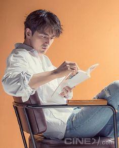 Lee Jin Wook, Kdrama, Korean, Actors, Guys, Black, Korean Actors, Black People, Korean Language