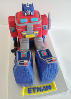 Transformer Optimus Prime cake