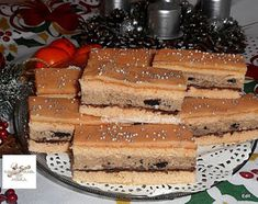 Crispy slice of oreo biscuit cream - Mindmegette.hu Crispy slice of oreo biscuit cream – Mindmegette. Mexican Pastries, Sweet Pastries, Oreo Biscuits, Tiramisu, Waffles, Cheesecake, Cupcake, Xmas, Cream