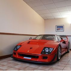 Fantastic but looks like it's parked in a shitty diner, in a low-end strip mall Ferrari F40, Maserati, Bugatti, Sports Car Racing, Race Cars, Big Ride, Strip Mall, High End Cars, Amazing Cars