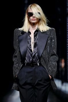 Saint Laurent Ready To Wear Fall Winter 2019 Paris Prom Outfits, Teen Fashion Outfits, Cute Outfits, Live Fashion, Passion For Fashion, Fashion Show, Aesthetic Fashion, Aesthetic Clothes, Evening Dresses For Weddings